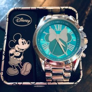 🎄 Women's Disney Minnie Mickey Mouse Watch